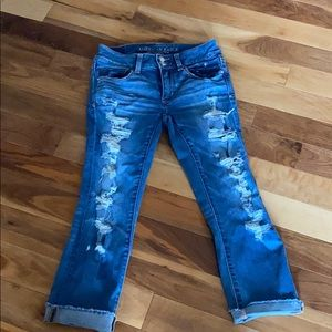 AE distressed artist crop jeans size 6